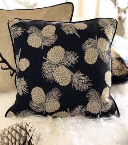 Kissen Dekokissen mit Motiv Tannenzapfen Eichel Pine edel in schwarz gold von steen design