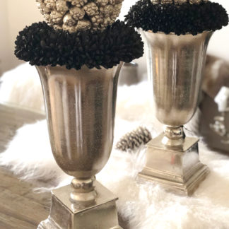 Pokal Vase Amphore Aluminium silber Handarbeit silber mit Sockel