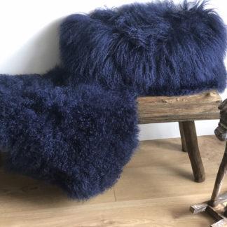 Kissen und Fell Tibet Lammfell dunkel blau , echt Fell, mongolisches Schaffell , tibetisches Lammfell von auskin, cornsilk