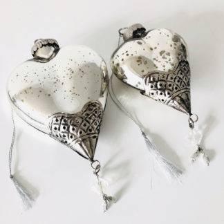 Herz silber Hänger Bauernsilber mit Metall verziertem Abschluss mit Hänger Aufhänger Herz in zwei Größen Herz Weihnachtsschmuck Fensterdekoration
