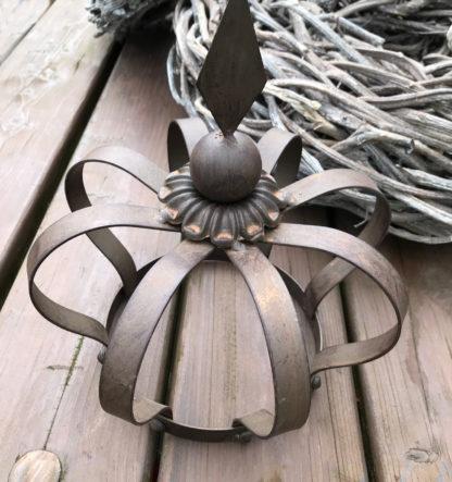 KRONE Gartenkrone Pflanzenkrone BRAUN Metall SHABBY Chic Gartenkrone Deko-Krone braun Rost Antik große Krone braun 30 cm Gartenarbeit Gartenhilfe