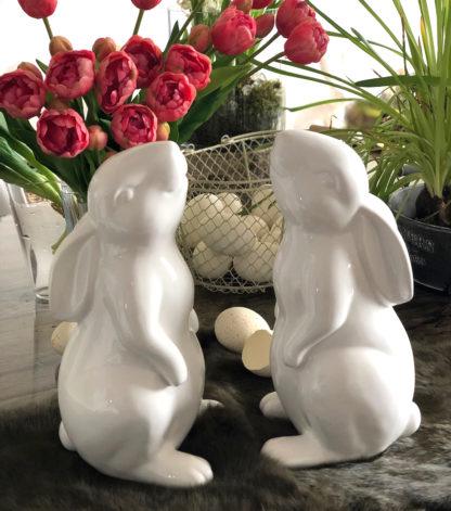 Hase Osterhase weiß Keramik Porzellan weiß glasiert nach oben schauend Osterfigur Osterdekoration Dekofigur Hase Ostern weiß