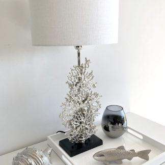 Tischlampe Koralle silber Metall Lampenschirm weiß Mediterran Tischlampe Korallenform silber Metall Aluminium 66 cm