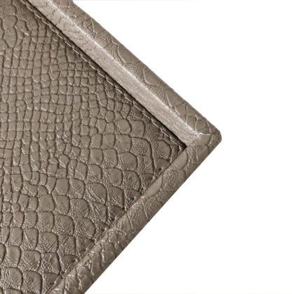 Tablett Leder Kroko Reptil-Optik taupe beige braun länglich mit Rand Lederimitat hochwertig Signature home collection Kroko-optik Dchungel Look Safari Stil Luxus Tablett Deko-Tablett Serviertablett