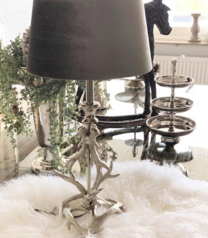 Tischlampe Lampenfuß Hirsch Hirschgeweih silber aluminium Metall edel Jäger Chalet Lampe Landhaus Lampenschirm Velour Samt Taupe