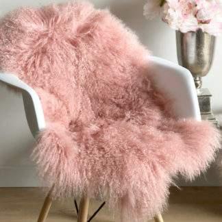 Tibet Lammfell rosa Bonbon rosa mongolisches Schaffell rosa echt Fell BONBON ROSA sehr weich Kinderzimmer Fell Lammfell echt Leder von Auskin kuschelig weich