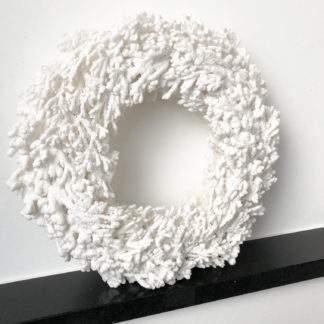 Kranz Schnee Schneekranz weiß Korallenkranz in weiß Polyester Kranz weiß mit glitter Weihnachtskranz weiß Adventskranz weiß
