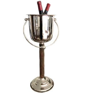 Sektkühler Weinkühler auf Ständer in Holz Baumrinde und Edelstahl mit Griff Champagnerkühler Chalet Stil Weinkühler mit Griff Holz Baumrinde braun Jäger Hüttenstil Party Pokalkübel für Sekt Wein Champagner
