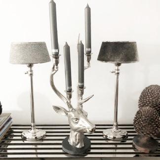 Höhenverstellbare Tischlampe silber Metall mit Lampenschirm Kuhfell grau oval rund Lampenschirm grau echt Fell Tischlampe silber höhenverstellbar