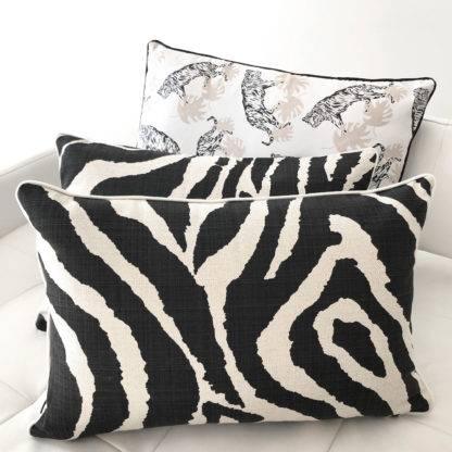 Deko Kissen Zebra animal print schwarz weiß Kissen mit Motiv Zebra schwarz weiß beige Leinenkissen Zebra von steen design