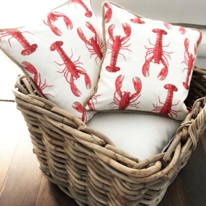Deko Kissen Lobster Krebs Hummer weiß rot Leinenkissen Motiv Meerestiere Sommerkissen Sylt Mediterran Maritim Meer Kissen weiß rot mit Kordel