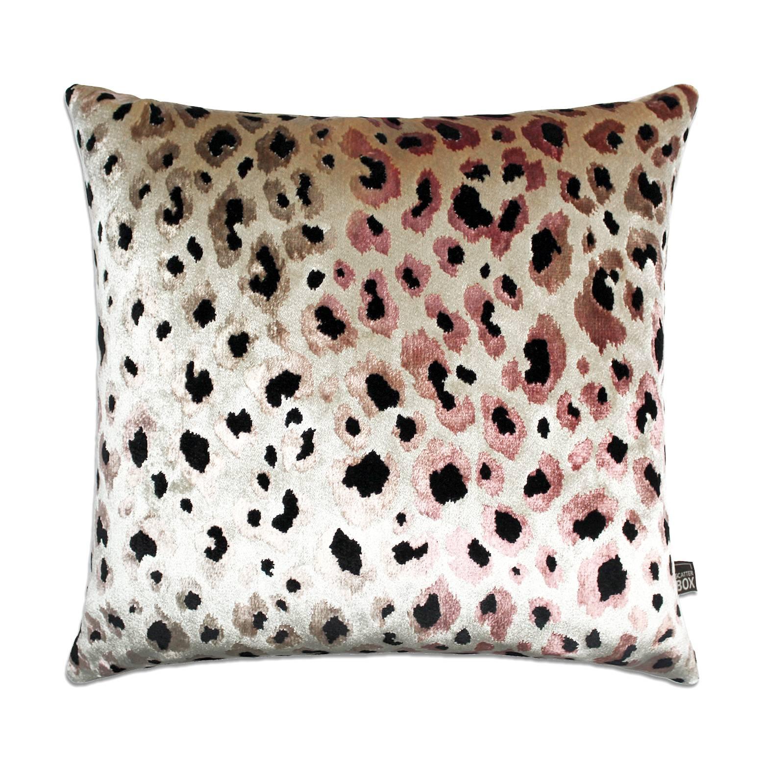 Deko Kissen Samt Leopard Design rosa mit Inlett 43 cm