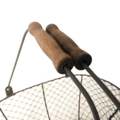 Drahtkorb Erntekorb braun antik verzinktes Metall mit Holzhenkel Kartoffelkorb Gemüsekorb Metall Gartenwerkzeug Erntegut Ernte Gartenhilfe