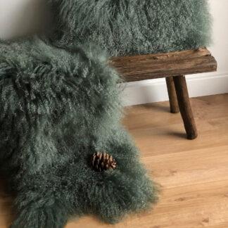 TIBET Lammfell dunkel grün dark green extra weich tibetisches Lammfell echt Fell kuschelweich