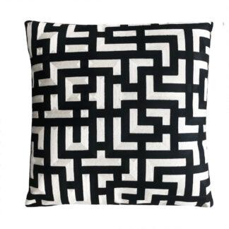 Luxus Kissen schwarz weiß creme modern grafisches Muster Dekokissen bestickt edel 50x50 cm quadratisch Sofakissen Zierkissen schwarz weiß Muster