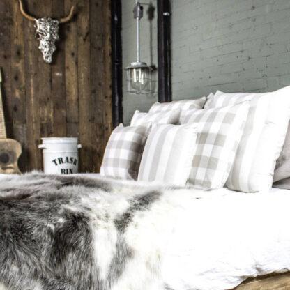 Dekokissen Karo beige weiß aus Baumwolle von Mars & More Sommerkissen Karo Chambray 60cm 50cm 40cm Shabby chic Landhaus Strand Meer