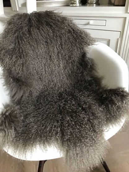 Fell Tibet Lammfell mongolisches Schaffell Kissen echt Fell super weich Maronen braun braunes Fell