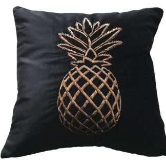 Luxus Kissen Samtkissen schwarz mit bestickter goldene Ananas Kissen mit Ananas Motiv