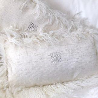 Luxus Kissen Naturseide Seide weiß und Tibet Lammfell mit Kristall-Steinen