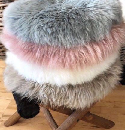 Stuhlauflage Pad Sitzkissen Lammfell auskin echt weich echt fell verschieden Farben blau , grün, rosa, weiß grau beige taupe