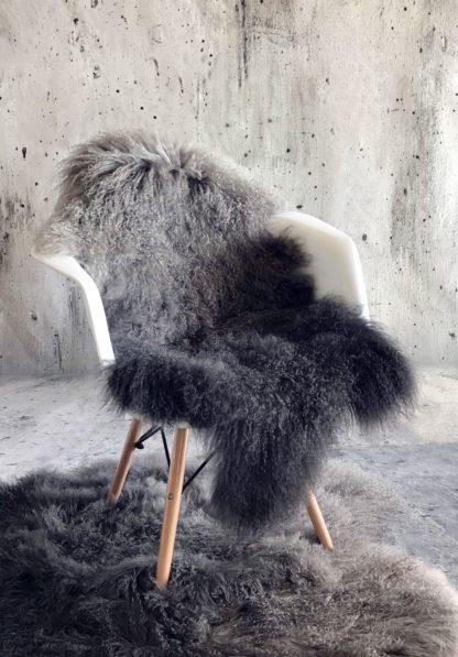 Tibet Lammfell grau anthrazit mongolisches Schaffell sehr weich Lammfell echt Fell grau anthrazit Verlauf echt Leder Chalet Landhaus Tierfell