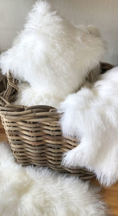 Kissen Dekokissen Tibet Lammfell, mongolisches Schaffell, sehr weich, Lammfell, echt Fell, weiß